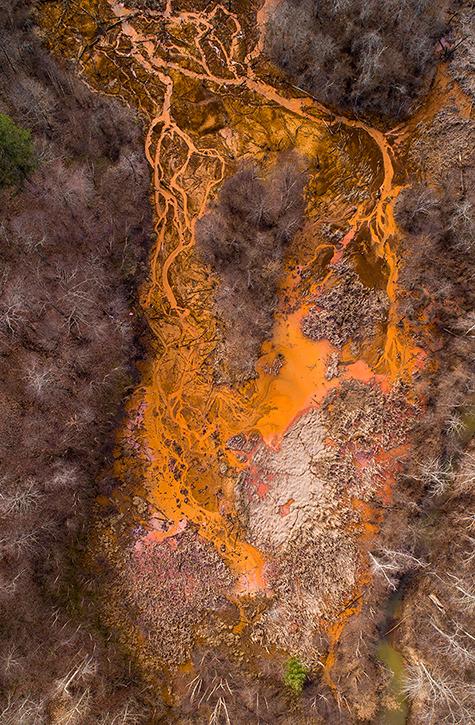 Acid Mine Pollution near Oreton Ohio  © Ohio University Ben Siegel